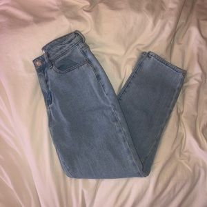 pacsun light wash straight mom jeans